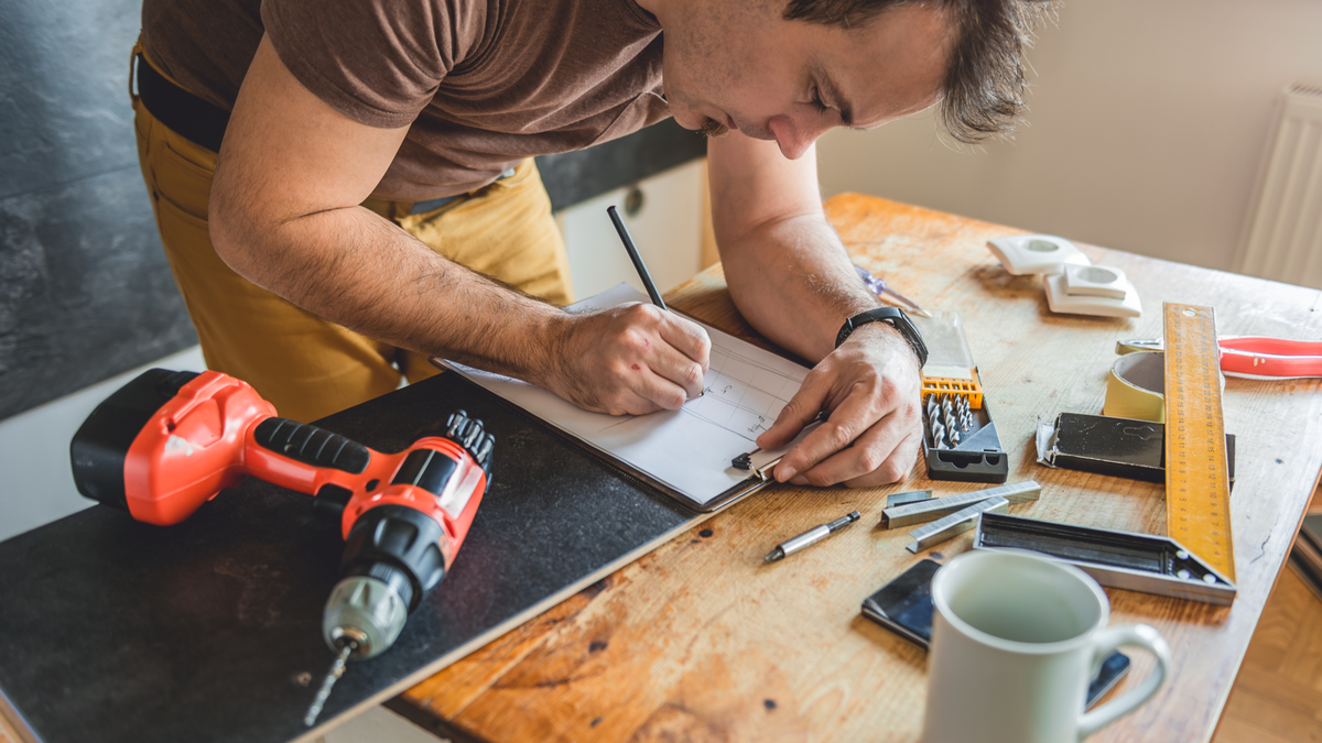 4 EASY PROJECTS TO IMPROVE THE VALUE OF YOUR ARIZONA HOME